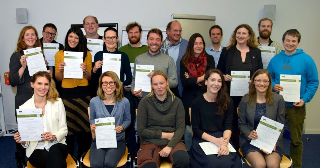 GSHDL Alumni with certificates